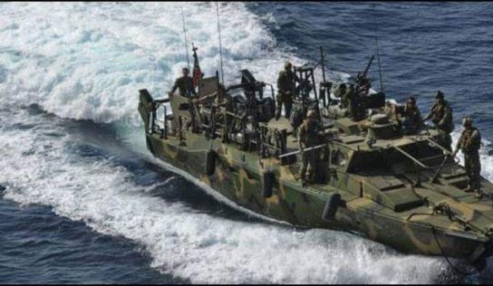 IRGC Navy warns off US warships in Persian Gulf