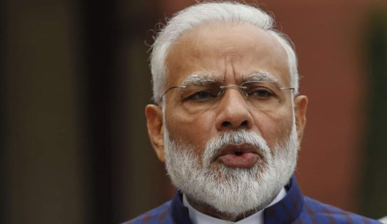 Petal Shower by Armed Forces: Waste of Resources or Modi's 'Flower Power' Way to Fight Crisis?