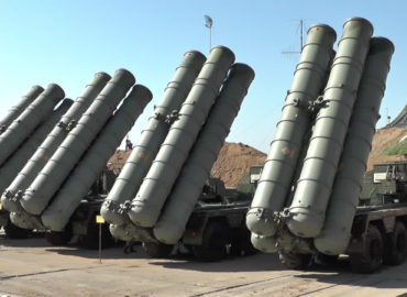Watch: Russian S-400 system confront enemy missiles