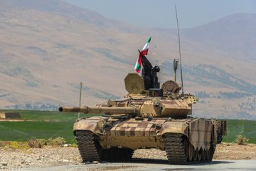 Iran unveils upgraded T-72 tanks and armored vehicles
