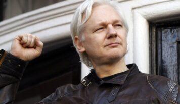 Ecuador Strips Julian Assange of Citizenship