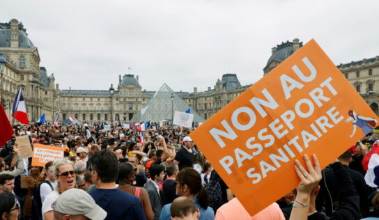 French hospital goes on INDEFINITE strike to protest Covid-19 vaccination mandate