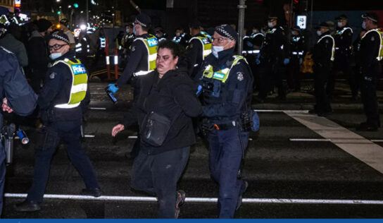 Aussie Cops Call Anti-Lockdown Protest 'Most Violent' in 20 Years After Pepper-Spraying Kids