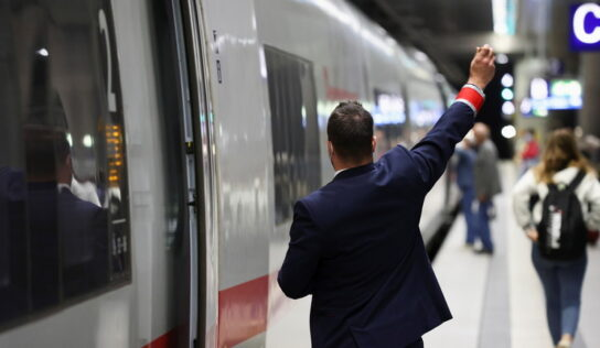 German train drivers plan three-day strike after negotiations on pay and 'corona bonus' collapse