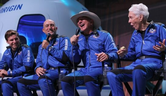 Jeff Bezos Space Trip Prompts Customers to Cancel Their Prime Subscription