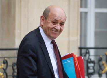 French FM Discusses Trust-Building with Armenia, Azerbaijan