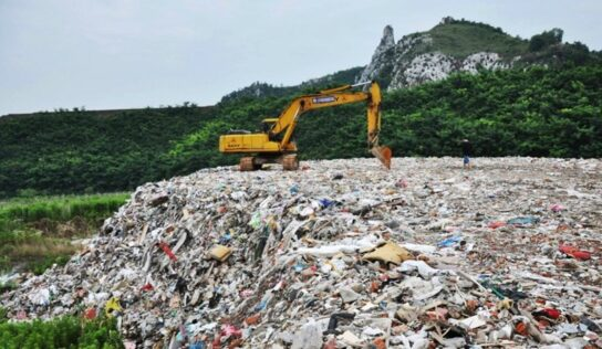 China Confronts Plastic Waste with Recycling, Incineration