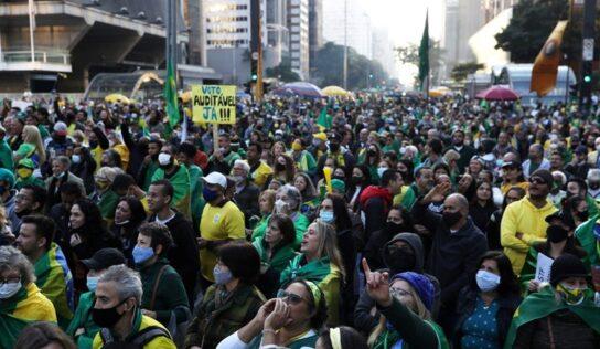 Bolsonaro Supporters Try to Advance Towards the Brazilian Congress