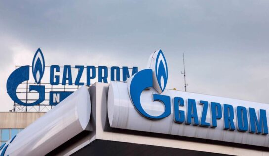Russia's Gazprom Neft abandons dollar in favor of yuan in fueling planes in China