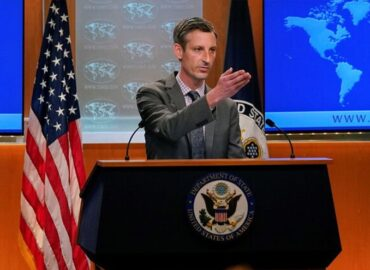 Journalist: To end war, prosecute US, UK officials who wage it illegally