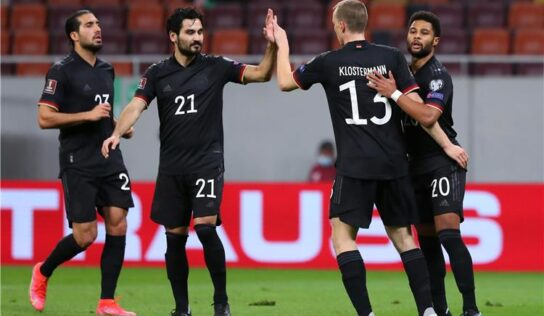 Germany, Netherlands edge closer to World Cup finals .