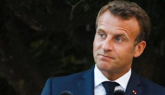 """Desperate"" Macron Wants ""Calming Down"" in Algeria Ties ."