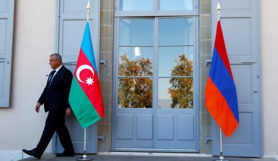 Armenia Is 'Ready' to Start Peace Talks with Azerbaijan, Says PM .