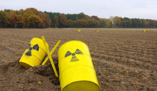 Sub deal ignites heated nuke debate in Australia